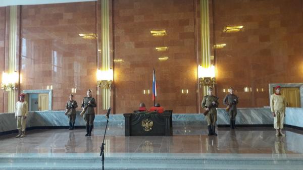 Торжественная передача бойца РККА Зеленова Ф.И.